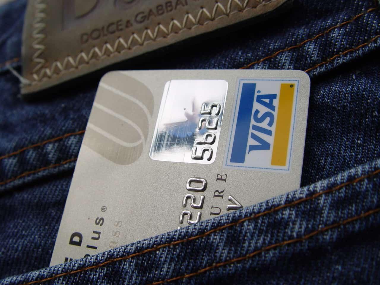 cc-in-jeans-pocket